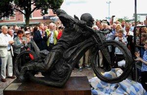 Ove_Fundin_statue_Brixel_sculptor